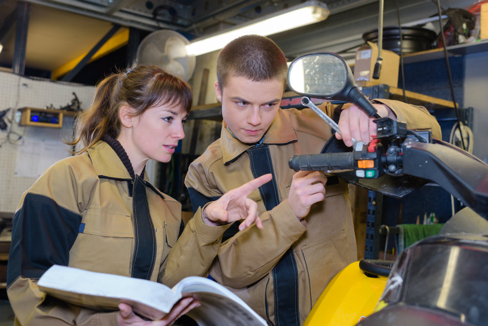 motivacao-no-ambiente-de-trabalho-como-engajar-a-equipe-de-sua-oficina-mecanica.jpeg
