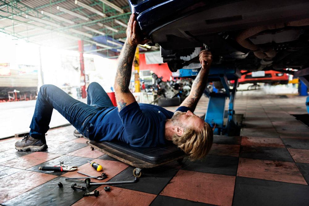 8-dicas-para-melhorar-as-condicoes-de-trabalho-na-oficina-mecanica.jpeg
